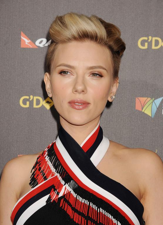 Scarlett Johansson cheveux court
