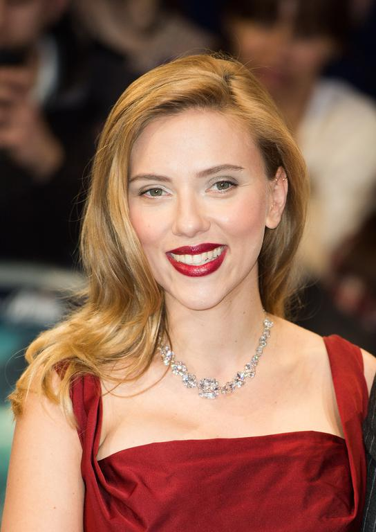 Scarlett Johansson cheveux long