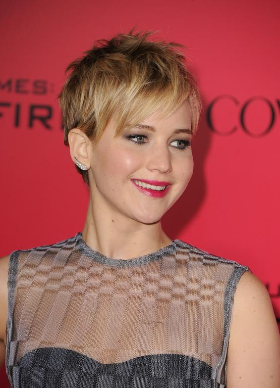 jennifer lawrence cheveux court