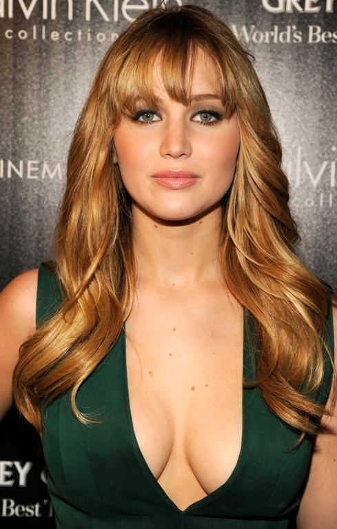 jennifer lawrence cheveux long