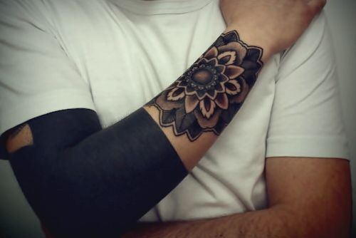 tatouage moche