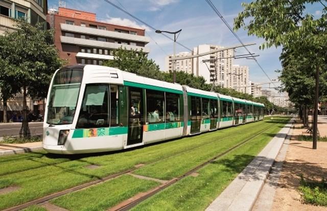 tramway paris agression