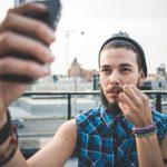 Je selfie, donc je suis : la masturbation mentale à l'ère du virtuel
