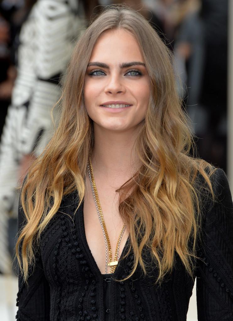 Cara+Delevingne cheveux longs