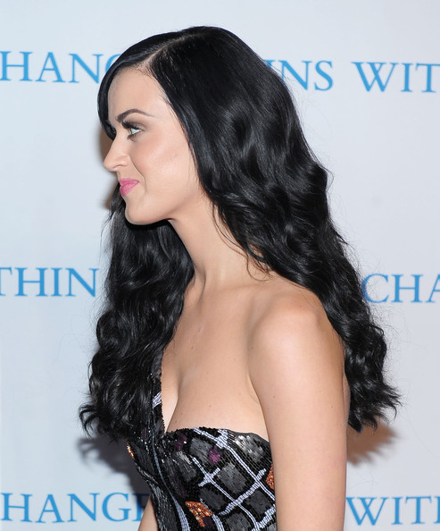 Katy_Perry_coupe longue profil