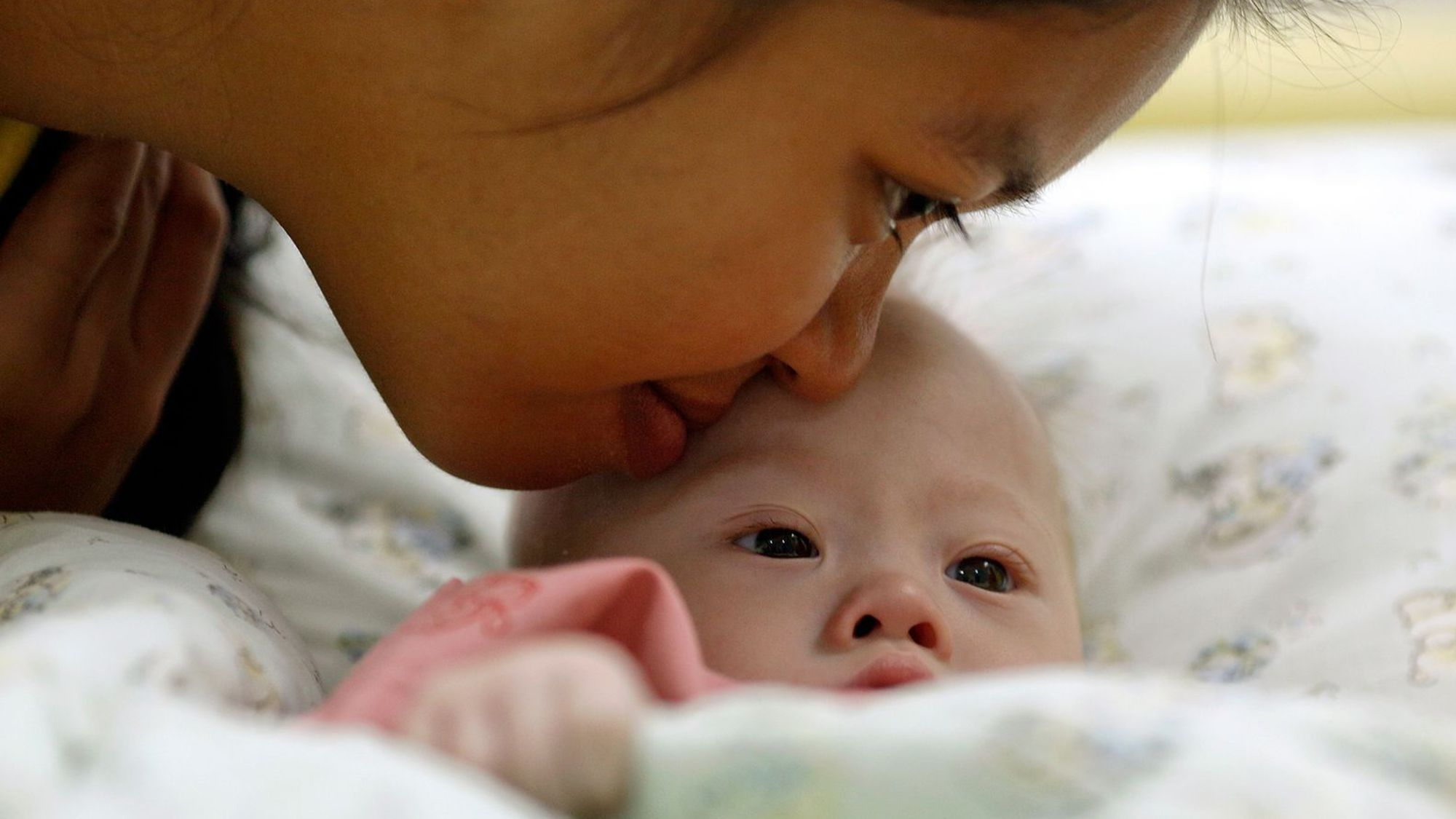mère porteuse bébé abandonné